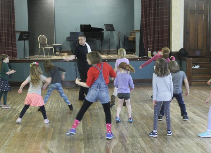 Hip-Hop Dance Class / Ages 8+